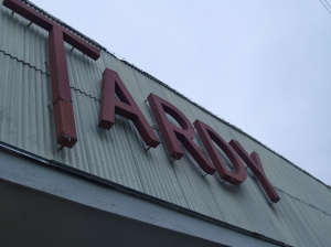 Tardy sign